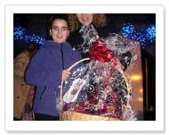 CESTA DE NAVIDAD: Iraia Lopez (Ganadora del sorteo entre los votantes al concurso de escaparates)